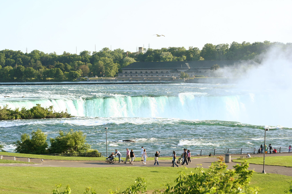 Horseshoe Falls from above