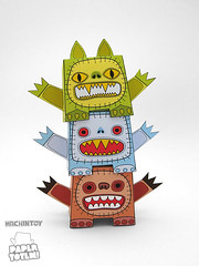 Paper Totem! x Machintoy (Dolly Oblong) Tags: paper designer free totem download custom dolly collect dollies customs designertoy papertoy dollyoblong machintoy papertotem