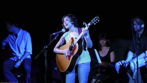 06.13.09a Norah Jones, Radio Happy Hour @ Poisson Rouge (2)