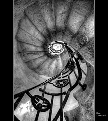 Caracol / Stairwell (Rui Trancoso) Tags: quinta da regaleira palcio sintra portugal rui trancoso platinumheartaward goldstaraward 100commentgroup artofimages bestcapturesaoi beautiful blackdiamondpremier detalhesemferro ilustrarportugal srieouro blackwhitephotos absoluteblackandwhite flickrstruereflection1 flickrstruereflection2 flickrstruereflection3 mygearandme mygearandmepremium mygearandmebronze flickrstrue reflection4 flickrstruereflection4 doubleniceshot tplringexcellence dblringexcellence