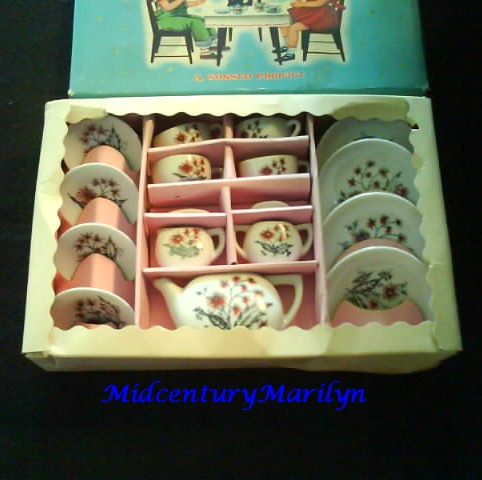 Childs China Tea Set Sonsco 1950's Vintage17 Piece Complete in Box Rare Aster Design Made In Japan