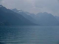 azzurro, color di lontananza (antocsc) Tags: lake 1001nights buonanotte oberlandbernese lagodibrienz grandeguccio