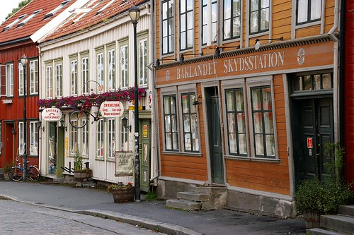 "Trondheim: Street (Nedre Blakkandet) • <a style=""font-size:0.8em;"" href=""http://www.flickr.com/photos/26679841@N00/3939009262/"" target=""_blank"">View on Flickr</a>"