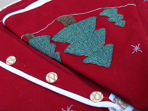 Family Traditions Tree Skirt