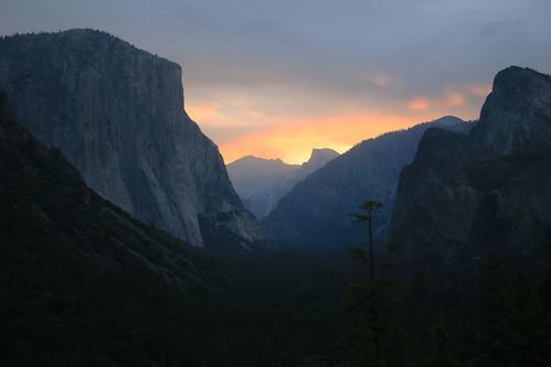 フリー画像| 自然風景| 山の風景| 岩山の風景| アメリカ風景| ヨセミテ国立公園|      フリー素材|