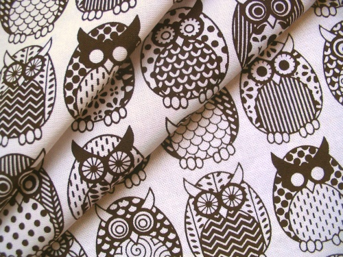 owl_dbrown_onwhite_Owl Parliament in Dark Chocolate - folds