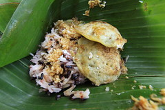 Sweet Rice with Coconut in Banana Leaf