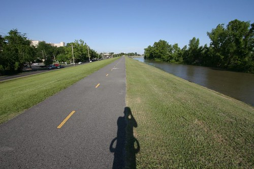 Nice cycling along the levees to keep the Mississippi River from flowing into New Orleans...