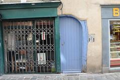 Anglų lietuvių žodynas. Žodis street-door reiškia n paradinės durys lietuviškai.