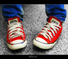 ALL STAR [ ALL TIME CLASSIC] 11.000+ views (ktania) Tags: blue red white feet colors canon star shoes all jean allstar 400d flickraward