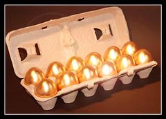 Golden Eggs (SweetShutter) Tags: eggs oeuf goldeneggs lagallinadeloshuevosdeoro lapouleauxoeufsdor oeufdor boiteufs