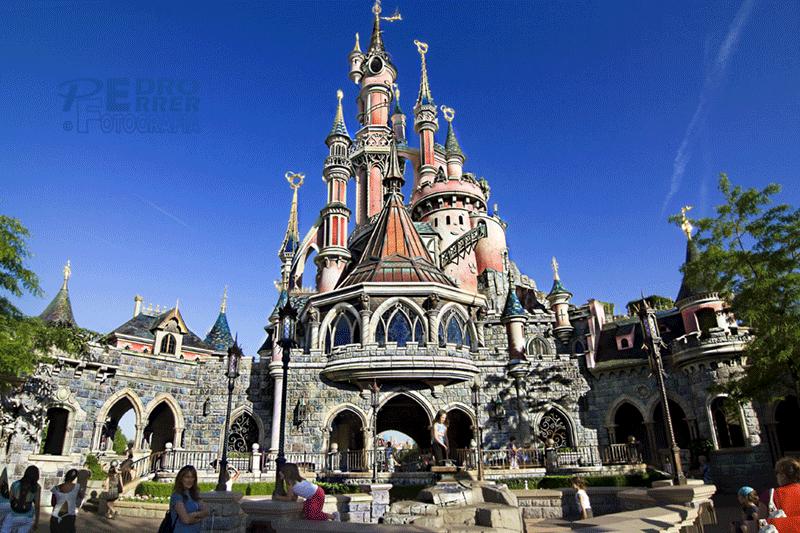 Disneyland Paris - en el patio trasero hay un tesoro