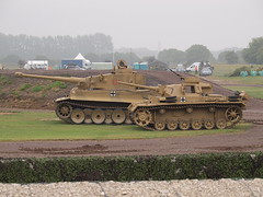 Tiger 131 & Panzer III (Megashorts) Tags: uk ed outside army war tank military tiger wwii olympus german armor dorset ww2 vehicle e3 fighting armour 50200mm armored zuiko 2009 axis tankmuseum swd 131 armoured zd bovingtontankmuseum panzeriii zuikodigital tankfest panzerkampfwagen panzerkampfwageniii ausfe ausfl tankfest2009 bovingtonmuseum