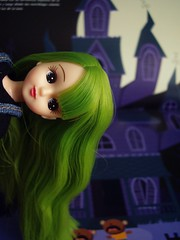 Hi there! (Mery tena un corderito) Tags: verde green halloween japan hair book bath doll stickers version libro pegatinas takara japon licca pelo mueca pliverde