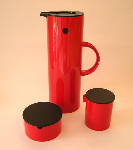 Red Black 'n plastic
