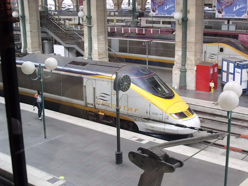 Eurostar at Gare du Nord, Paris by ell brown.