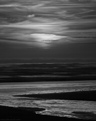 Kalaloch Beach, Olympic National Park, Washington (Tyler Westcott) Tags: sunset blackandwhite bw beach coast may pacificocean olympicnationalpark 2009 kalaloch nikond90