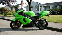 Kary Kawasaki (PoweredByAloe) Tags: green ninja limegreen 2006 motorcycle sportbike lime 06 kawasaki zx6r 636 ninja636 kawi