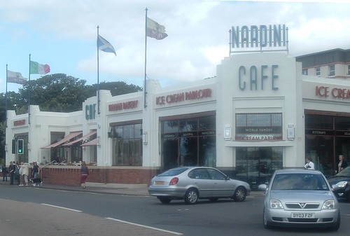 Nardini's Cafe Largs left side