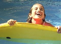 Felicitat (Ayeln.) Tags: water agua piscina felicidad aigua felicitat bodyboard