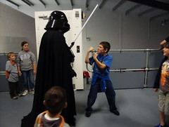 darth (The Neepster) Tags: boy fun fight alford familyfunday lordvader grampiantransportmuseum