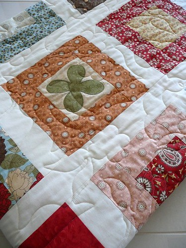 'Simply-a-Bloom' quilt