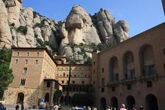 Montserrat (silviet45) Tags: la catalonia montserrat catalunya catalua bages catalogne moreneta muntanyes