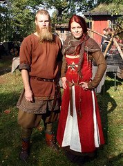 The Vikings (Steffe) Tags: autumn portrait fall festival museum market sweden streetportrait stranger helena haninge fredrik handen portrtt medievalfestival streetportraiture vikingmarket vikingfestival telgeglima vikingamarknad gunnerholm gatuportrtt handensmuseum getporsvgen8