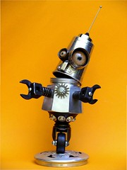 Zippy (Tinkerbots) Tags: make robot assemblage scifi zippy reuse junkart tinkerbots