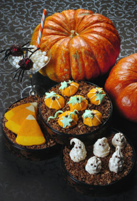 Halloween treats (Photo by Mark DuFrene/Contra Costa Times)