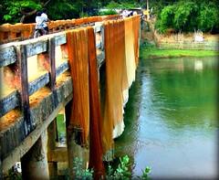 India - Orissa marzo 2008 (anton.it) Tags: bridge india water canon ponte acqua orissa viaggio riflesso reti passionateinspirations antonit