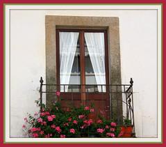Janela / Window (antoninodias13) Tags: flores portugal janela antiga ohhh varanda sert mywinners abigfave cernachedobonjardim ilustrarportugal srieouro flickrestrellas travelsofhomerodyssey cantarias