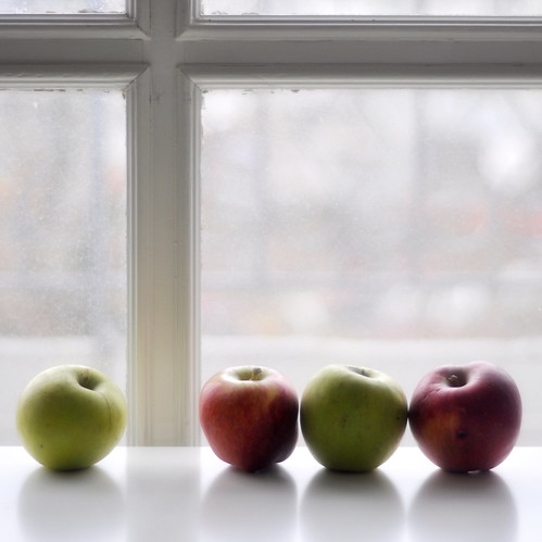 apple chit-chat by lisamurray, on Flickr