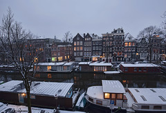 Amsterdam. (alamsterdam) Tags: amsterdam brouwersgracht snow evening reflection boats architecture houseboats