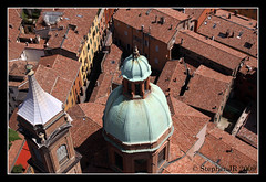 Bologna cathedral dome (StephenJR) Tags: roof red italy tower europe italia cathedral dome bologna 2009 bologne pub1