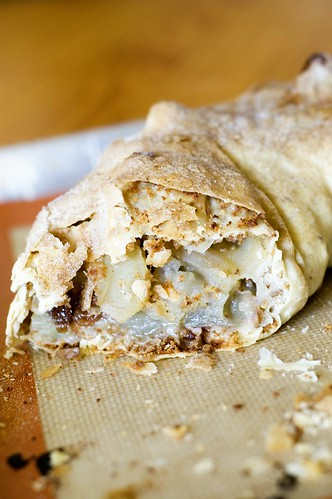 apple strudel - inside