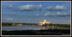 Shrine Of Love- Taj Mahal (D a r s h i) Tags: india art love nature water grave clouds river fort tomb taj tajmahal agra carving wonders mughal yamuna mumtaj sahjahan 7woders