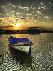 Ugur ... (Nejdet Duzen) Tags: trip travel sunset sea sun clouds turkey boat ray trkiye fisher shelter deniz sandal izmir bulut gnbatm gne turkei seyahat balk flickrsbest barnak abigfave inciralt platinumphoto hzme theunforgettablepictures saariysqualitypictures