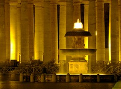 roma (ale_baco82) Tags: light rome roma water fountain night square san piazza acqua speter fontana notte luce pietro colonne coloumns ssan mywinners abigfave