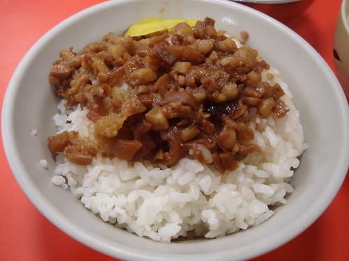 正斗六炊仔飯 - 滷肉飯.jpg