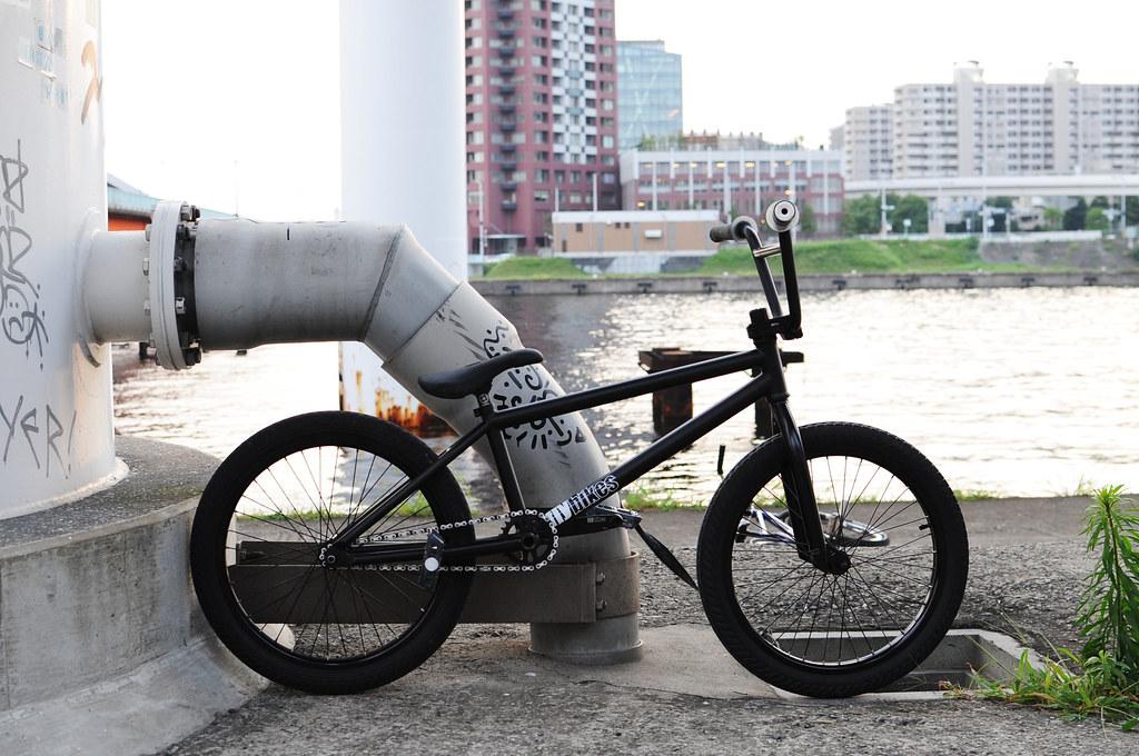 TKTK's flybikes Luna 01