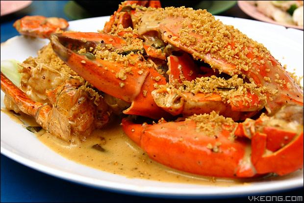 golden-sand-sri-lankan-crab