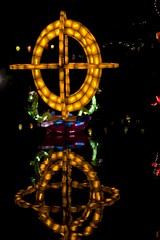Wheel of Light (JFrosty) Tags: light canada reflection water wheel night lanterne eau montréal quebec montreal chinese québec lumiere lantern chinois tiki nuit roue chinoise canonef50mmf18ii canoneos30d