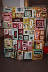 Euro bee quilt top (Ningiu) Tags: quilt quiltingbee lizzydish