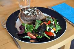 Pariserbøf med salat