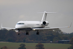 OY-NAD - 8052 - Private - Canadair CL-600-2B19 Regional Jet CRJ-200 Challenger 850 - Luton - 091028 - Steven Gray - IMG_2966