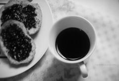 Coffee, For those who love. (~gciolini) Tags: light brazil bw black love caf branco brasil bread blackwhite nikon grain dia preto passion poesia piece jam nacional po luce vicious xcara fatia caiof gciolini dayofcoffee diadocaf