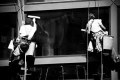Lavaggio in corso (thescourse) Tags: bw canon milano dslr italians eos400d 55250 canoniani fotografiitaliani scattifotografici