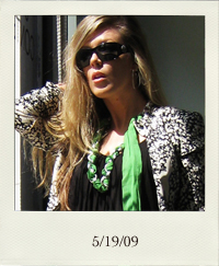 my-style-lbd-black-dress-chain-necklace-green-scarf-blazer_5-19