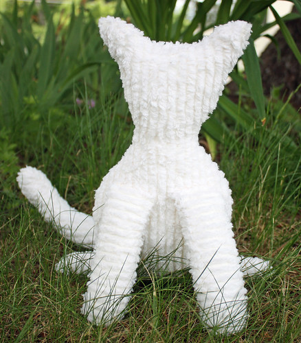 Chenille cat (in progress)